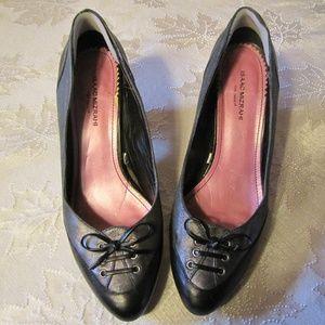 Isaac Mizrahi Heels ~ Size 8 1/2